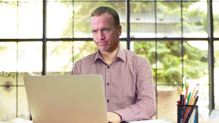 Peyton Manning Drops Eli From Fantasy Team